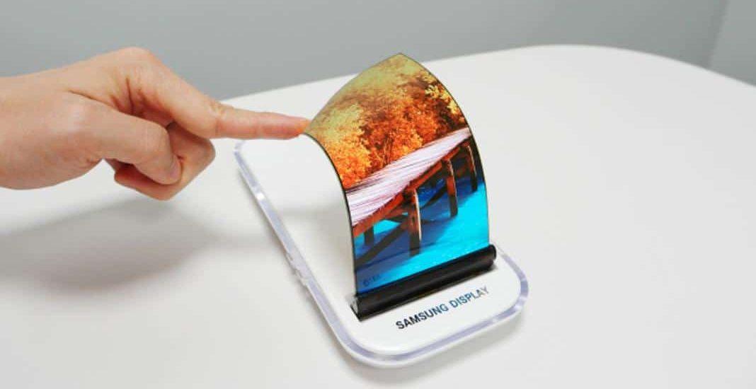 smartphone écran flexible